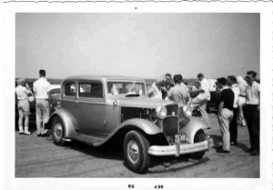 vintage drags 1932 Ford deuce sedan